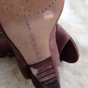 Vince Camuto Shoes - 💸SOLD💸Vince Camuto Eliza gladiator sandals